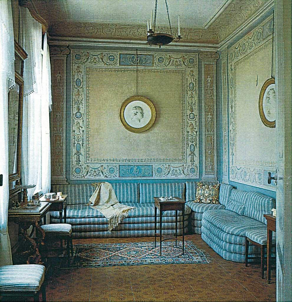 Lo stile gustaviano oltre il cancello - Decorazioni stanza ...